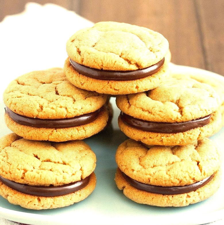 Recipe: Peanut Butter and Chocolate Sandwich Cookies