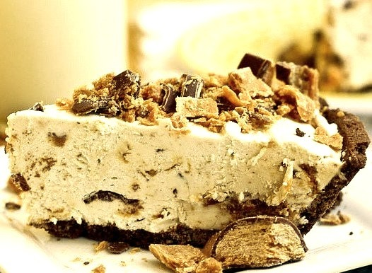 Frozen Peanut Butter Butterfinger Pie