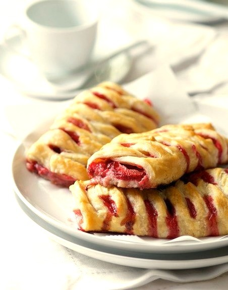 Strawberry Crossover Puff Pastries